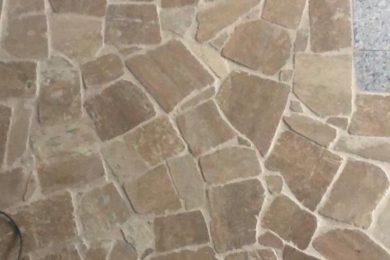 Pardoseli piatra poligonala